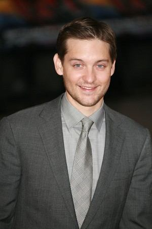 2007-4-23-tobey_maguire_spiderman1_0_0_0x0_300x450